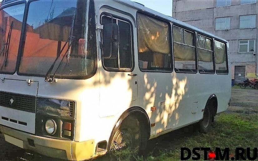 Автобус б/у